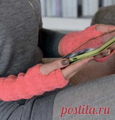 Митенки с теневым узором Спортивные митенки спицами для женщин, выполненные из шерстяной пряжи средней толщины с добавлением полиамида. Вязание митенок осуществляется по...