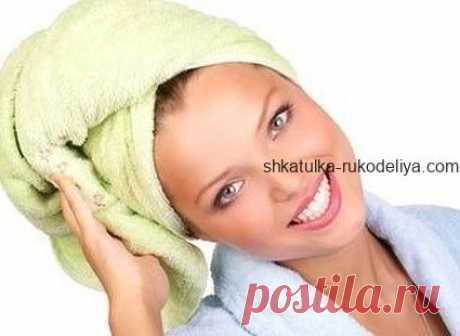 Как сделать увлажняющую маску для волос Ваши волосы пересушены или «безжизненны», но вы не готовы тратить деньги на различные регенерирующие препараты и восстанавливающие маски или посещать салон? Не проблема. Ведь вы можете приготовить …