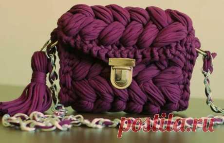 Вяжем сами стильную и модную сумку крючком. Идеи, Мастер Классы и видео уроки по вязанию сумочки из трикотажной пряжи