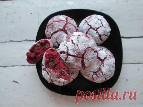 Знаменитое печенье «Красный бархат» — не просто модное, а потрясающе вкусное и уникальное блюдо