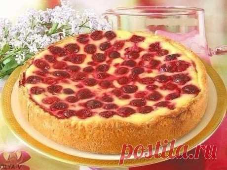Пирог-сметанник с ягодами! делается так просто и быстро, а получается такой вкусный!