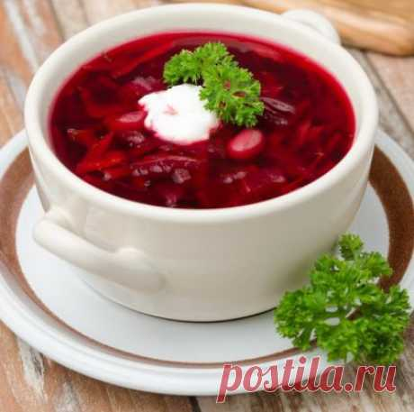 ¡La sopa de remolacha sabrosa sin carne será querida hasta por los días de carne empedernidos!
