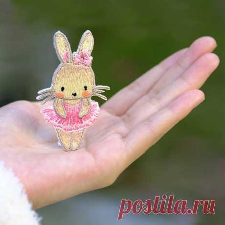 Патч с вышивкой термоаппликация  Они очень милые! Очень хорошие качества, быстрая доставка.  https://s.click.aliexpress.com/e/BNdKCAEU?product_id=..  #кролик #патч #аппликация