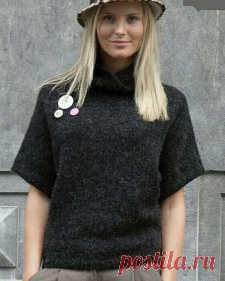 Вяжем темный пуловер оверсайз с укороченными рукавами