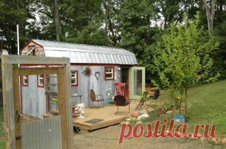 Četru cilvēku ģimene dzīvo šādā mazā mājā, viena vienkārša iemesla dēļ FOTO – Topraksti.lv