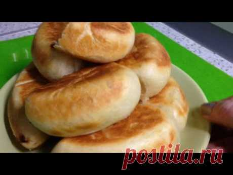 Pies with a cottage cheese stuffing in an omletnitsa