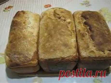 Как испечь бездрожжевой хлеб на закваске из изюма.