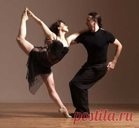 В танце