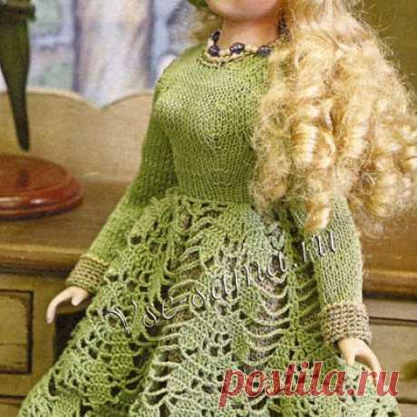Зеленое платье и шляпка Оденьте куклу в шикарный наряд.