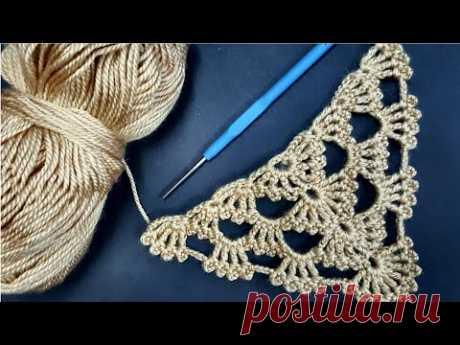 Модель с платком из вязаного шелка и приданого