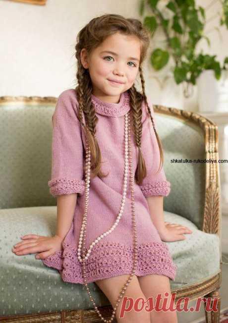 Розовое платье с рюшами на 6-8 лет.