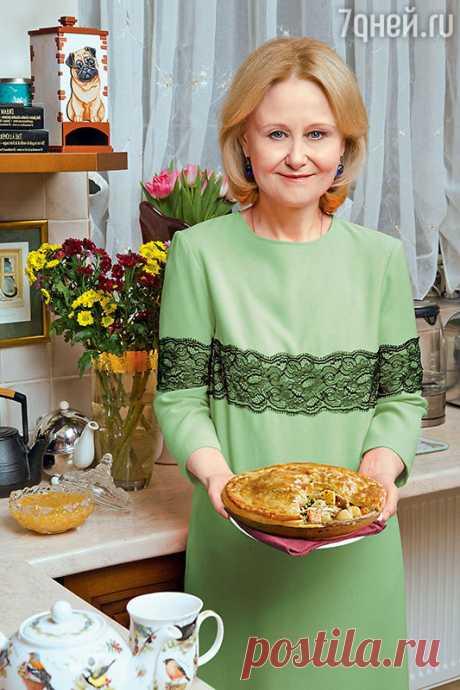 Рецепты от Дарьи Донцовой: пирог из курицы, запеченная куриная печень «мгновенная» икурица на соли  «Добрый день, дорогие мои! Я часто слышу от своих читательниц и телезрительниц сетования: «Что за ерунда? Положила в суп все как обычно, а он получился отвратительным. Почему же так вышло?» Все очень…