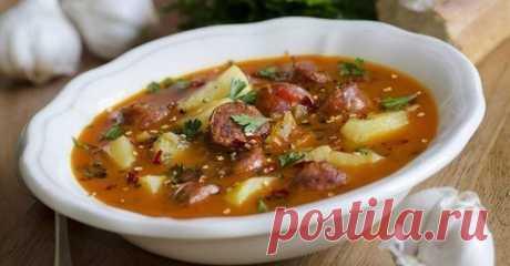 6 рецептов аппетитных супов, которые согреют в холодную погоду Быстрые и простые рецепты для дома на любой вкус. Острый испанскийсупс колбасками  Ингредиенты: ● Куриный бульон — 4 л ● Картофель — 4-5 шт. ● Помидоры — 1-2 шт. ● Колбаски охотничьи — 3–4 шт. ● Чес…