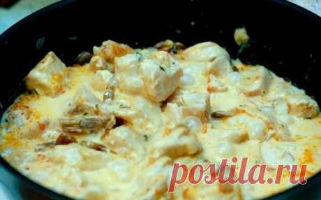Как приготовить куриное филе в сырном соусе - рецепт, ингредиенты и фотографии