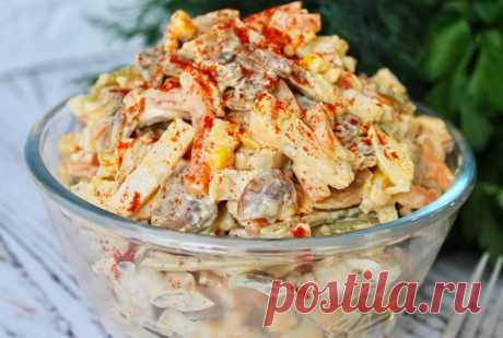 Салат «Добрая теща». Когда теща его готовит, всегда спешу в гости Идеальное сочетание продуктов, делает салат просто изумительным, легким, но сытным. Всем любителям остренького. Для приготовления вам потребуются такие ингредиенты: шампиньоны, 300 г; куриное филе, 300 г; лук 00 г; морковь, 150 г; огурцы маринованные, 100 г; кукуруза консервированная, 100 г; яйца, 3 шт; майонез, 20 г; перец черный и красный, по 0.5 ч.л; паприка, ч.л; […]
