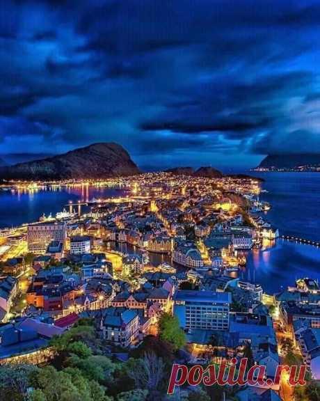 ღ Олесунн, Норвегия