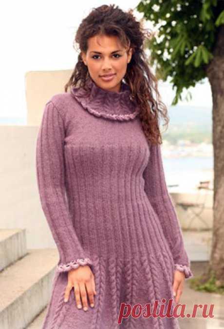 Расклешенное женское платье Не только красивое, но и практичное вязаное спицами платье от Drops Размеры: XS — S — M — L — XL — XXL (из-за узора платье будет казаться меньше, чем измерения в схеме, но при носке из-за своего ве…