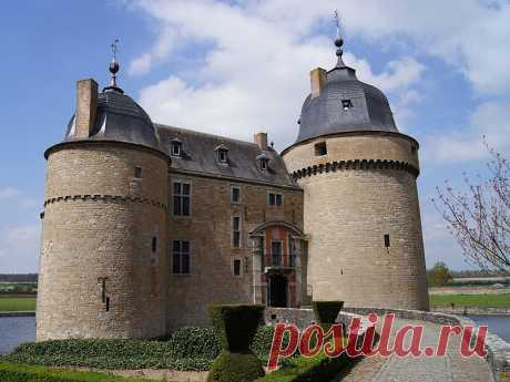 Замки Бельгии:Лаво- Сент- Анн(Chateau de Lavaux-Sainte-Anne)