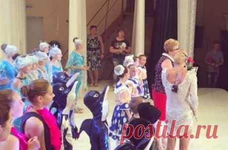 Анастасия Волочкова едва не потеряла трусы на сцене (видео) Балерина Анастасия Волочкова в очередной раз потрясла поклонников на странице в Instagram. Анастасия оконфузилась во время концерта в