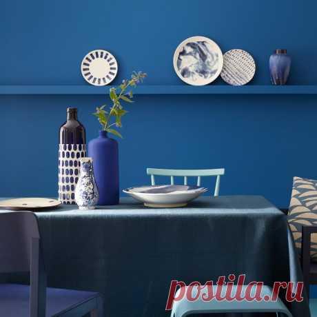 Синий цвет в интерьере - как и с чем он лучше всего сочетается? Покажем лучшие дизайнерские палитры синего и фотографии удачных интерьеров.   Смотрите полную подборку сочетаний синих стен с мебелью, полами и дверями  #синийвинтерьере#синийсочетанияцветов#палитрысинего#счемсочетатьсиний#СПБ#Stonefloor
