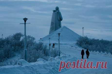Самый близкий к Северному полюсу город.