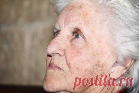 Как избавиться от старческих пигментных пятен на лице в домашних условиях   Рекомендательная система Пульс Mail.ru