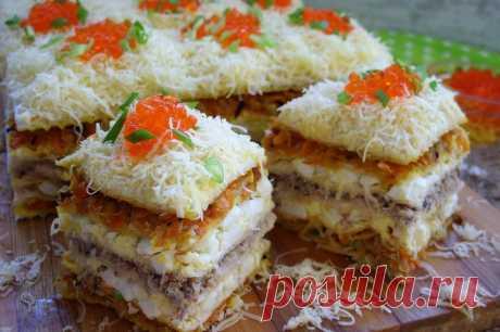 Закусочный торт из вафельных коржей .Один из самых вкусных вариантов, с рыбными консервами.