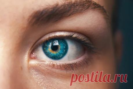 Правильно ли мы ухаживаем за кожей вокруг глаз Нужно ли использовать специальное средство для глаз, можно ли наносить крем на верхнее веко и что наверняка спасет от отеков? Отвечаем на самые популярные вопросы.