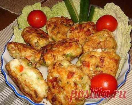 Рецепт очень вкусных и полезных котлет из куриного мяса с овощами и сыром - Простые рецепты Овкусе.ру