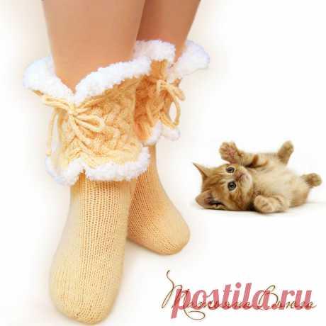 Пушистики. Носки вязаные, шерстяные – купить в интернет-магазине на Ярмарке Мастеров с доставкой Пушистики. Носки вязаные, шерстяные - купить или заказать в интернет-магазине на Ярмарке Мастеров | Эти носочки ручной работы связаны спицами из…