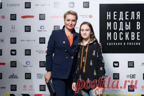 Катя Лель с дочкой, Костя Цзю, Светлана Мастеркова и другие знаменитости на модном показе ODRI Mio и Oldos . Милая Я