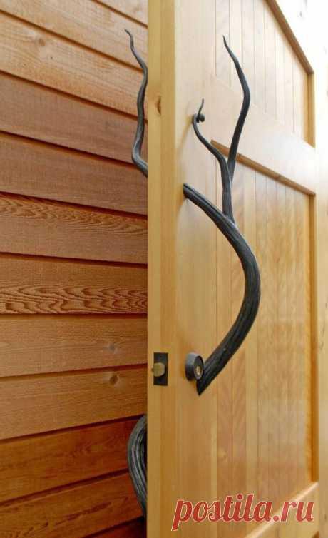 Дверная ручка в стиле ар-деко