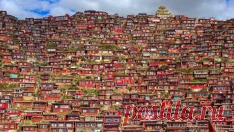 Larung Gar, Tibetan Buddhist city in Sichuan, China   Flickr