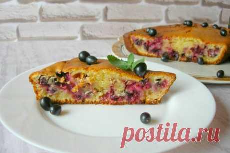 Пирог на сметане с черной смородиной, рецепт — Вкусо.ру