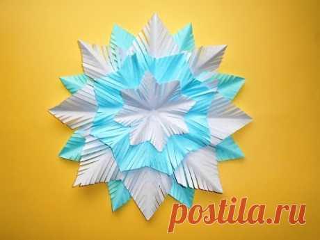 Снежинка из бумаги своими руками. Новогодние поделки для детей.