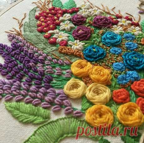 I do not cease to admire a beautiful embroidery!