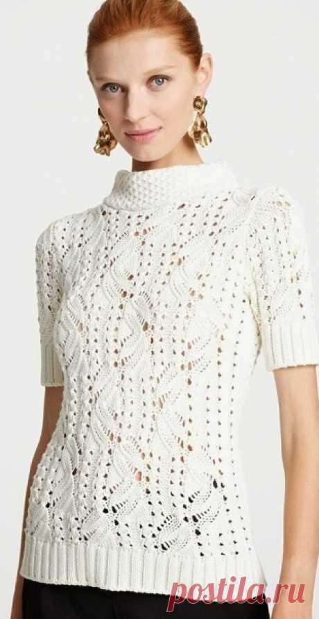 Красивый пуловер спицами Отличный пуловер с великолепным самобытным узором связанный спицами.