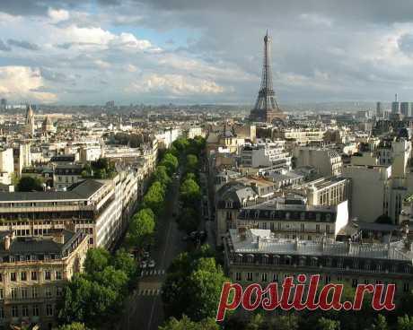 Приезжаешь в Париж и никуда не торопишься... Это наслаждение...
