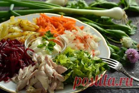 Салат «Радуга» - простой рецепт очень вкусного порционного блюда из овощей с мясом.