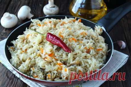 Рассыпчатый рис на сковороде - рецепт с фото