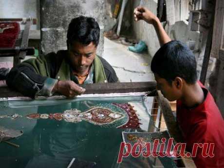 Настоящее чудо: вышивка зардози, выполненная мужскими руками | Рукоделие