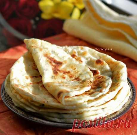 Быстрые лепёшки с сыром и зеленью на кефире.
