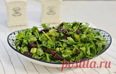 סלט ירוק עם חמוציות ופקאן - הכי טעים שיש