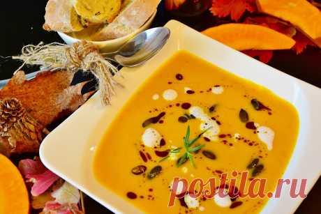 Тыквенный суп-пюре с фасолью и перцем чили - На Кухне Зачастую мы в нашем каждодневном меню забываем о таком полезном и вкусном овоще как тыква. А между тем пользу тыквы сложно переоценить. Ингредиенты для тыквенного супа-пюре с фасолью...