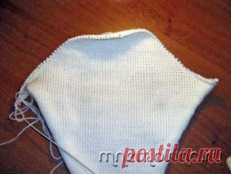 Вязание на машине. Вязание оката втачного рукава частичным вязанием.