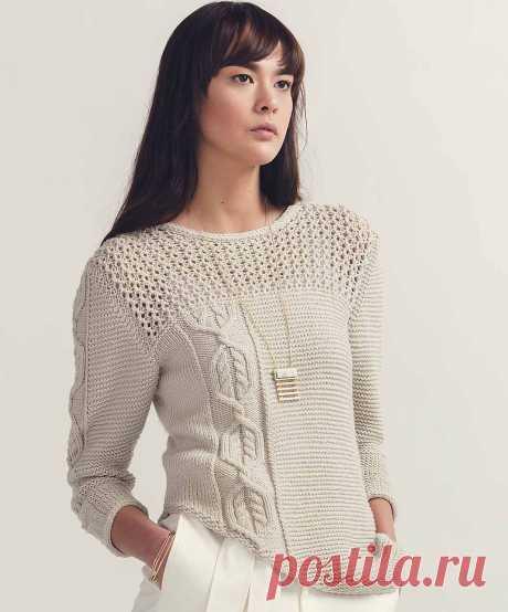 Женский пуловер спицами с ажурной кокеткой и косами