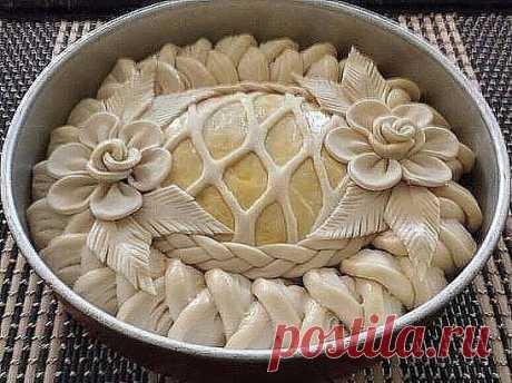 Как красиво украсить пироги Как красиво украсить пироги, используя для этого только тесто, можно увидеть в приведенных примерах, которые помогут сделать ваши дни еще приятнее и