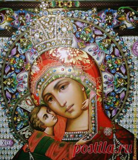 Она - неисчерпаемый океан чудес, явленных на Руси. И наше сердце пусть всегда припадает к ногам Божией Матери со своими воздыханиями, нуждами, скорбями - во всех испытаниях и в минуты плача о грехах. И Она, Радость всех скорбящих, наша Небесная Мать, простирая Свой Державный Покров, заступит и спасет и помилует всех нас. Аминь. Архимандрит Иоанн Крестьянкин  Радуйся, премудрых превосходящая разум;  радуйся, верных озаряющая смыслы.  Радуйся, Невесто Неневестная.