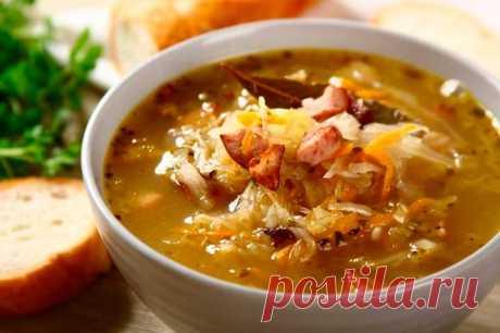 Вкусные щи из квашеной капусты с беконом и колбасой – пошаговый рецепт с фото.