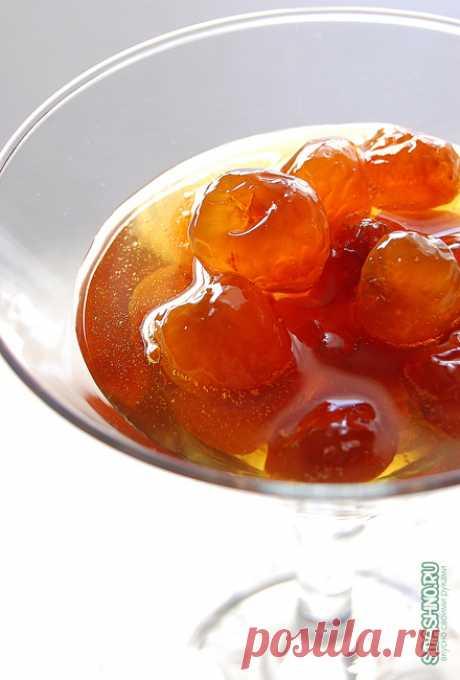 Варенье из черешни без косточек на зиму - рецепт с пошаговыми фото Рецепт приготовления янтарного черешневого варенья на зиму без косточек.